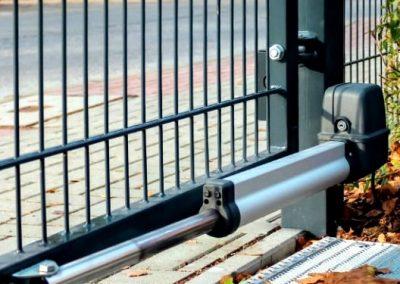 автоматика для распашных ворот из сетки