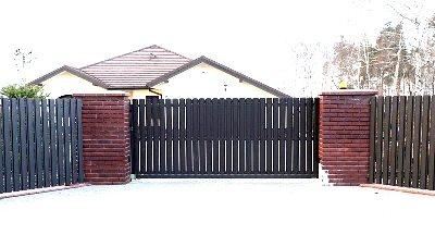 Сдвижные ворота из штакетника