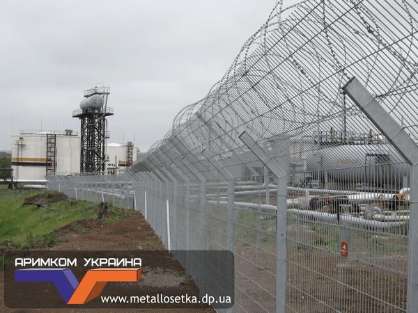 Забор из сетки для инженерных заграждений