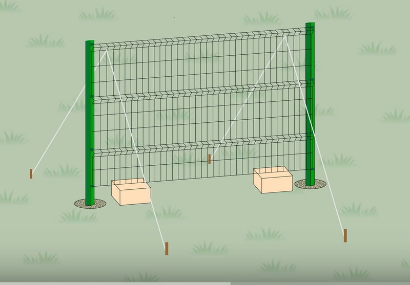 Под низ секции подложите не большие бруса, предназначенные для выравнивания по высоте