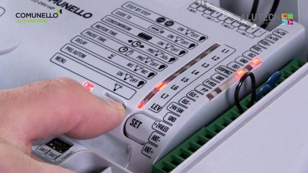 plata upravleniy avtomatiki 600x338 - Автоматика для откатных ворот Comunello FORT- 1000