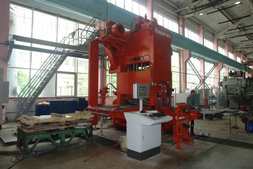 Изготовление сетки для забора на заводе Фрунзе