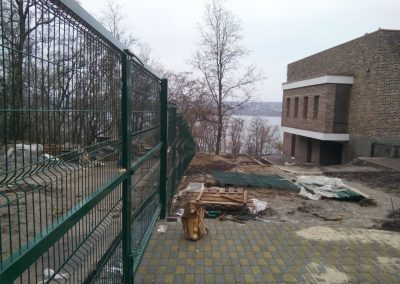 setka na zabor min 400x284 - Сварная сетка во Львове