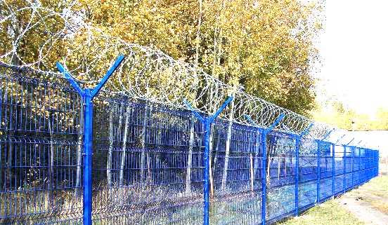 Забор из сетки с полимерным покрытием