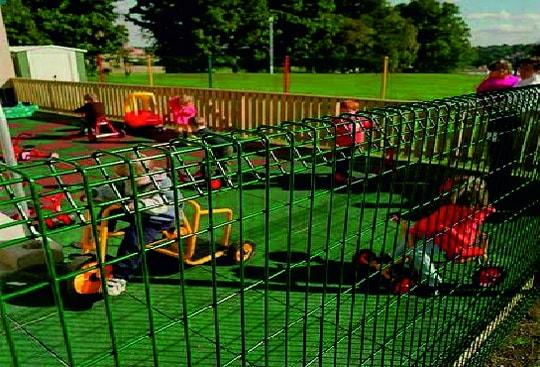 Варианты ограждения для детской площадки