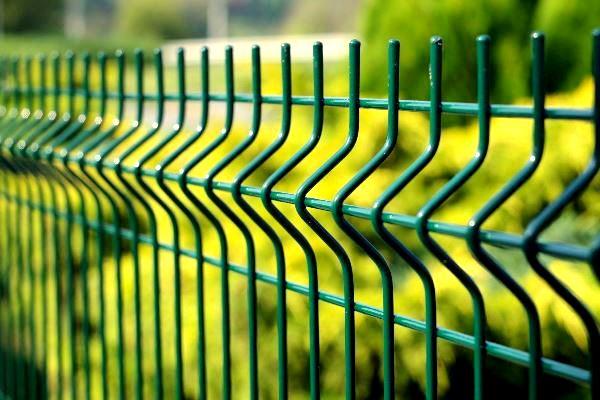 Забор из сетки с ПВХ-ТПК покрытием
