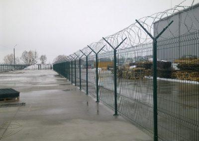zabor s egozoy min 400x284 - Зварна сітка в Чернівцях